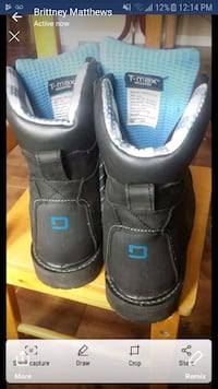 pair of black-and-blue boots Dartmouth, B3A