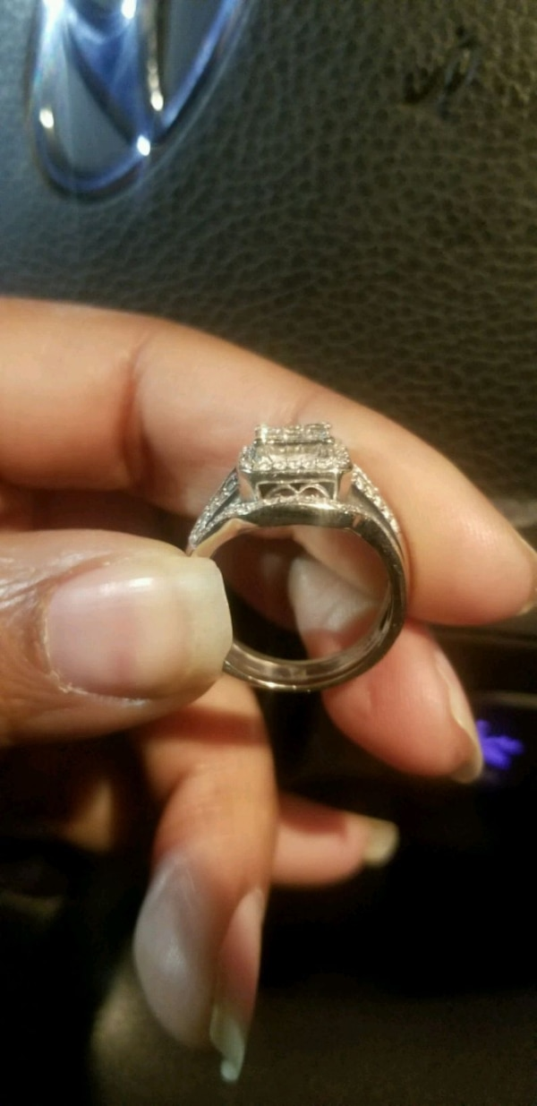 Wedding Rings and Bands  7f4820b9-7a24-4809-b450-7e236d2377cc