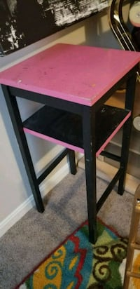 Pink and Black Side Table Hilliard
