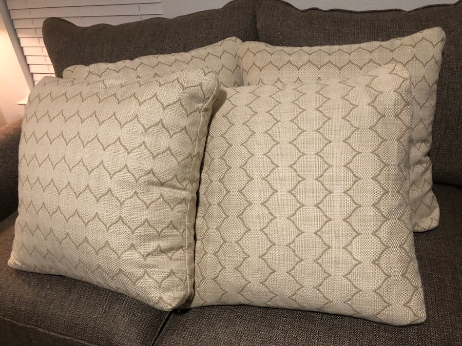 4 pillows never used