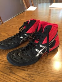 Wrestling Shoes Basic size 11.0, red/black Smithtown, 11787
