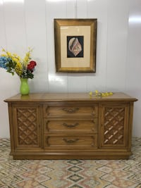 Thomasville Sideboard Credenza Buffet Table (Delivery Service Available) Boynton Beach, 33436