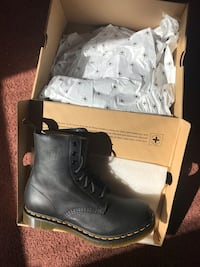 Dr Martens 1460 Pascal Black Leather women's  Baltimore, 21213