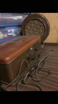 Vintage Atwater and Kent Radio and Speaker Rockville, 20853