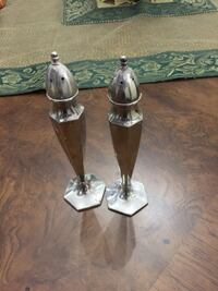 two stainless steel salt and pepper shakers Vaughan, L6A 4C8