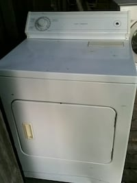 white front-load clothes washer North Jackson, 44451
