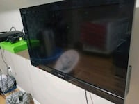 32 Sony LCD TV  London, N5W 2V4