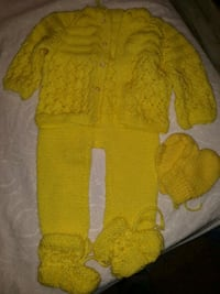 yellow and white knitted sweater Annandale, 22003