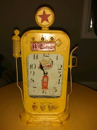 Vintage looking clock with lights