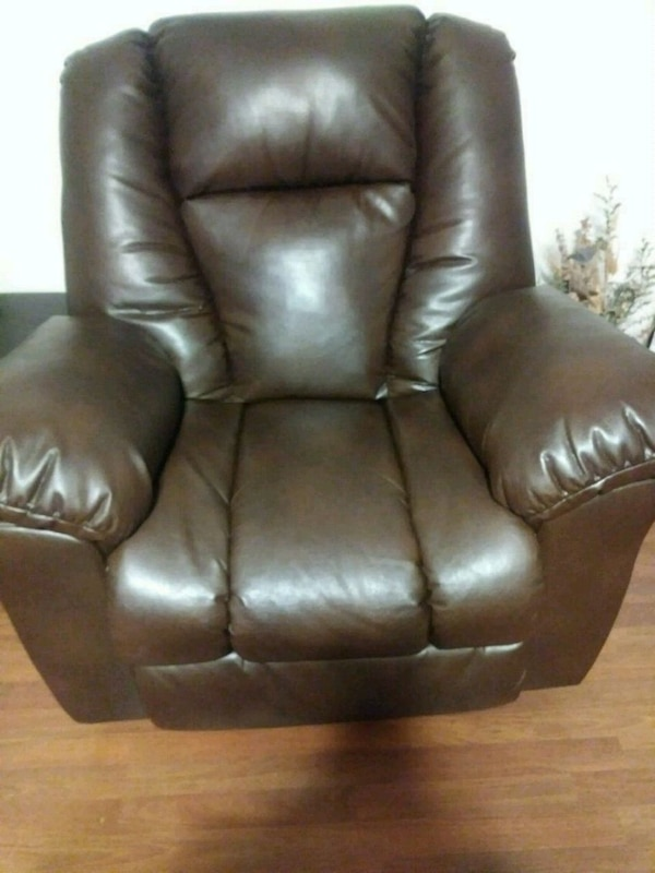 Awe Inspiring Oversized Ashley Recliner Chair Gmtry Best Dining Table And Chair Ideas Images Gmtryco
