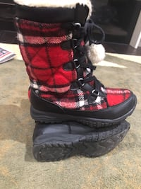 Kids winter boots size 12 Toronto, M2R 3R8