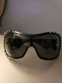 Vogue wraparound sunglasses  Silver Spring, 20910