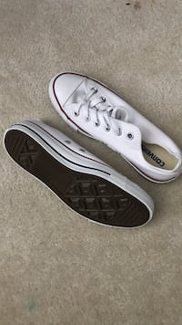 pair of gray Converse low-top sneakers Abbotsford, V4X