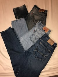Men's named brand Jeans Levi's Hollister SZ 32 / 34