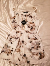 Zaful Floral Romper Richmond, V7A 4E5