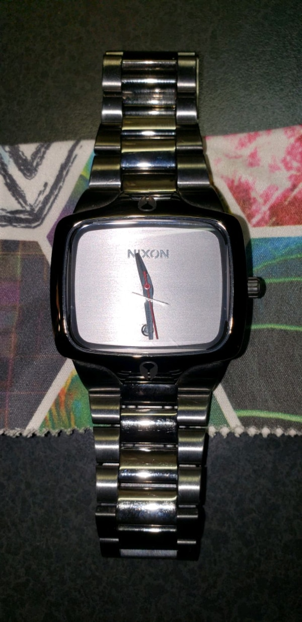 Nixon the player watch new battery  1