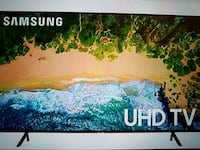 """Samsung 50"""" UHD 7 series smart tv -new in box! Des Moines, 50317"""