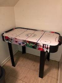 AIR HOCKEY GAME TABLE