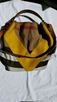 Burberry yellow and black duffel bag Irvine, 92602