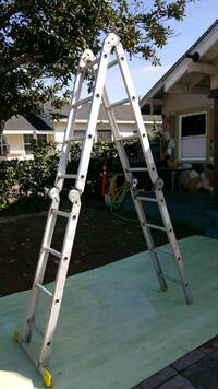 white and gray A-frame ladder Long Beach