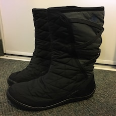 MUST GO!! Columbia Winter Boots - Size US 10 (great condition)