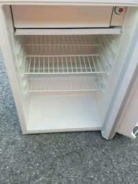 white single-door refrigerator Kingston, K7M 3R8