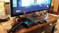 Xbox 360 console with controller and kinect Levittown, 19056