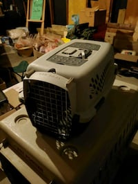 Pet kennel/ carrier  Cuyahoga Falls, 44221