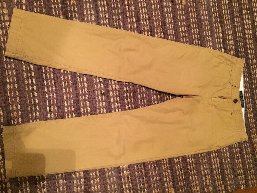 Photo American Eagle Men's Khaki Pants Size 28x32 $10.00