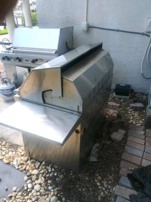 Steal of a grill c629d205-94dc-4dd6-a986-48988e2aec41