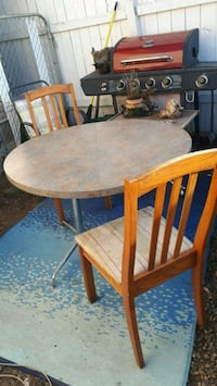 Nice Thick and Solid Table With 2 Chairs in Great  Edmonton, T5B 0E4