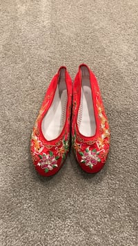 Chinese bridal shoes 7-7.5 Vancouver, V6S 1P6