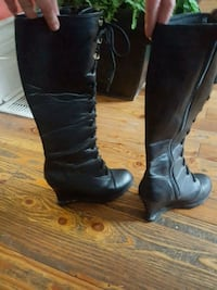 pair of black leather knee-high boots London, N5Z 1R4