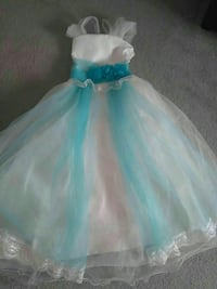 girl's white and teal mesh gown