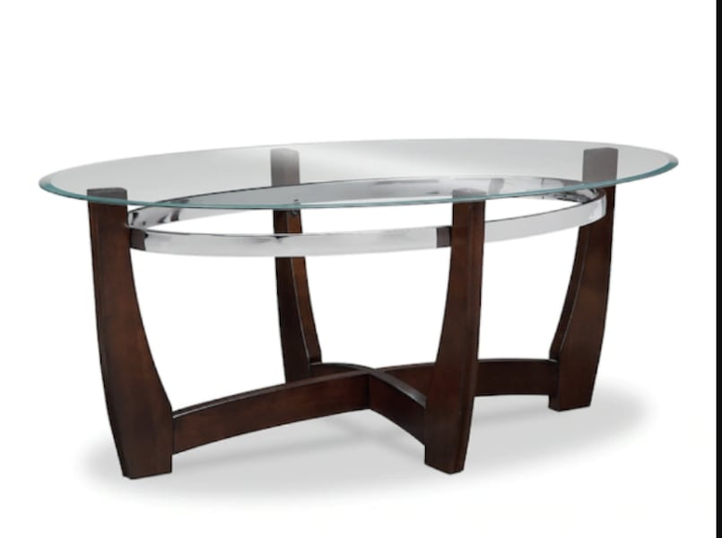 Like New Coffee Table (Delivery available within 10 miles) bb758761-e73d-4b9b-9d34-f0620be2bd07