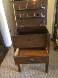 Antique sewing table 50 years young Oak Creek, 53154