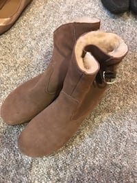 Women's winter boots - size 8 Halifax, B3M 3N8
