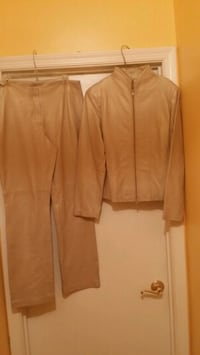 Ladies soft leather butter cream suit 70 km
