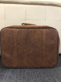 Vintage 1975 leather american tourister suitcase Bayonne, 07002