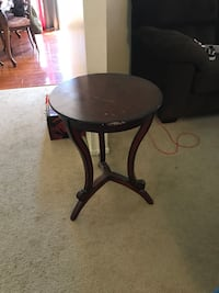round brown wooden side table Riverside, 92501
