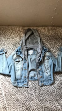 Blue denim button-up jacket San Diego, 92154