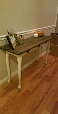 Entryway Table Martinez, 30907