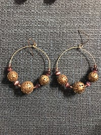 Pair of Gold & Purple Earrings Toronto, M2J 1W6