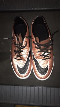Used Indoor soccer shoes Sacramento, 95829