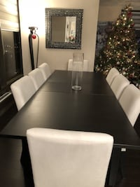 *** Like New Dining Table + 8 Chairs (+ Extra Covers) Ontario