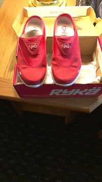 pair of red adidas low-top sneakers with box Temple Hills, 20748