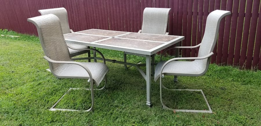 Outdoor Dining Set 0