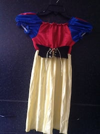 Snow White costume - fits age 4-5 Burnaby, V5G 1K9