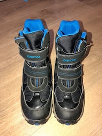 Geox boys snow boots Burnaby, V3N