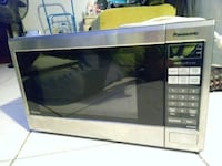 black and gray microwave oven Hallandale Beach, 33009
